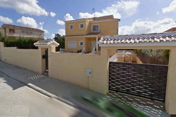 10537 Chalet en venta en Riba-roja de Túria de 224 m2
