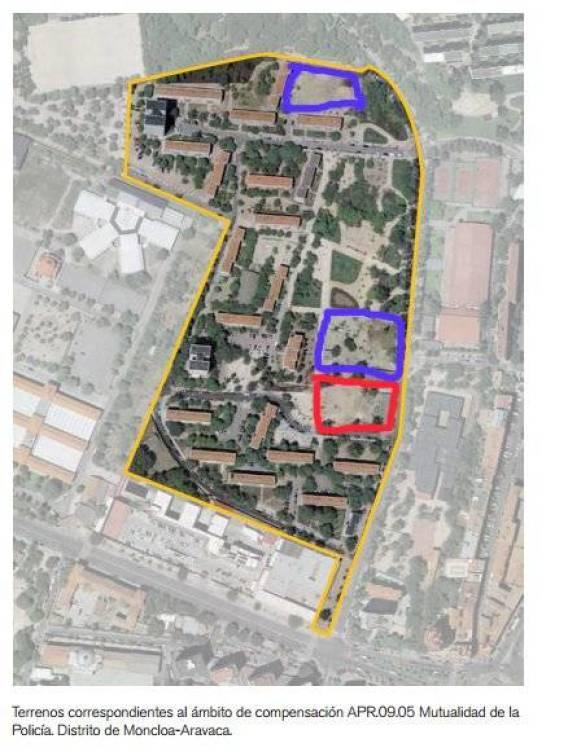 En azul, las parcelas que está intentando vender la Mutualidad de la Policía. En rojo, el terreno comprado por Vía Célere.