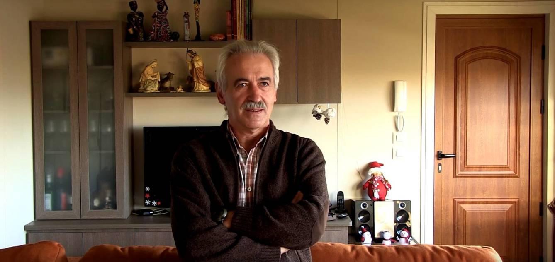 José Ignacio, en su casa prefabricada de Burgos. (Eurocasa modular)