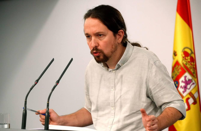 El secretario general de Podemos, Pablo Iglesias, en una rueda de prensa en el Palacio de la Moncloa. (EFE)