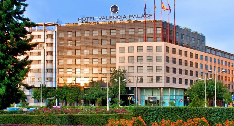 El cinco estrellas SH Valencia Palace que Ballester logró conservar y en el que celebra sus reuniones la Asociaciación Valenciana de Empresarios, de la que es socio. (SH)