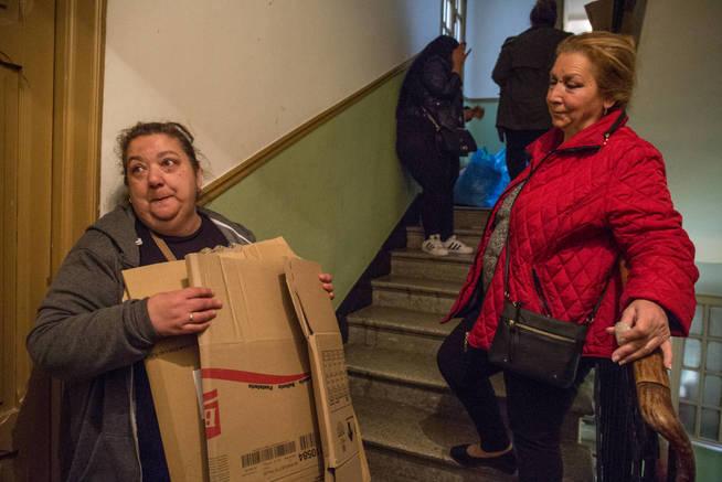 Mujeres afectadas por el desahucio del edificio Argumosa 11 de Madrid. (D.B.)