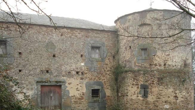 El histórico castillo de Quindous está en venta por 225.000 euros.