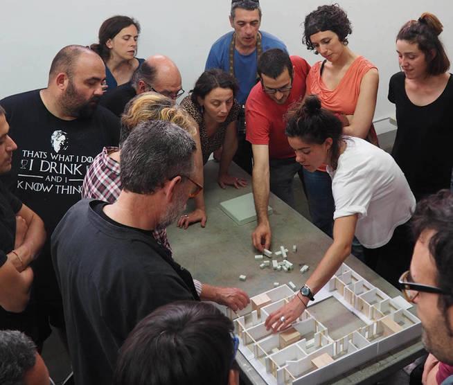 Una de las reuniones de los futuros integrantes de La Borda. (Lacol)